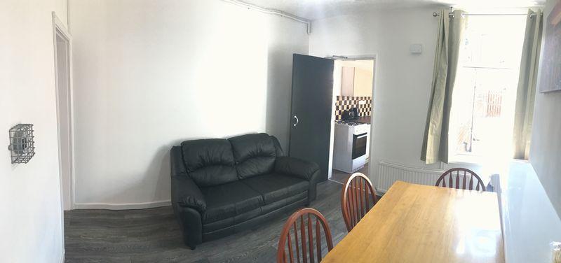 Cromwell Street - Room 4