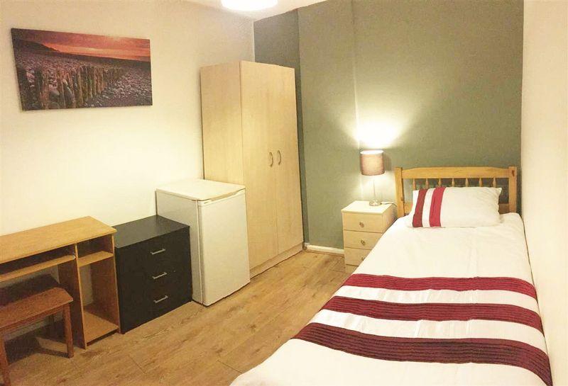 Dixon Street - Room 5