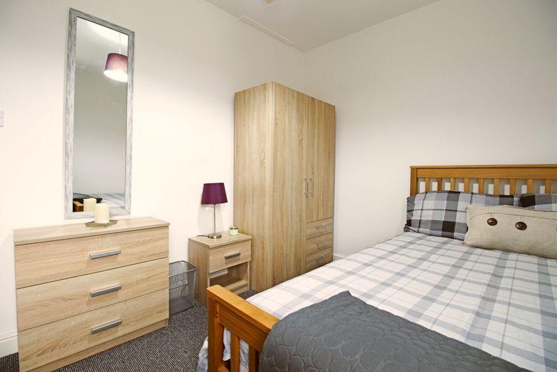 Cromwell Street - Room 3