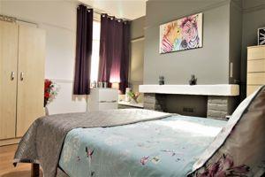 Dixon Street - Room 6