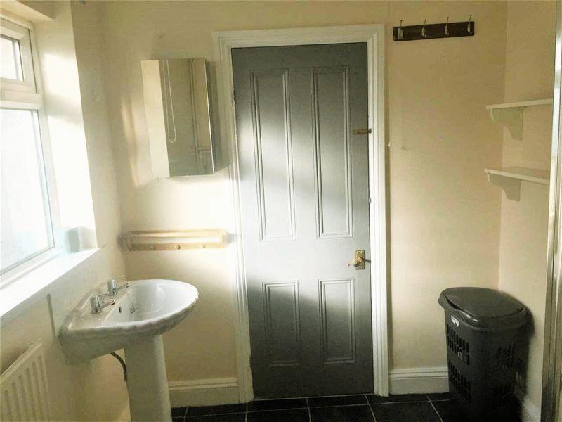 Foster Street - Room 2