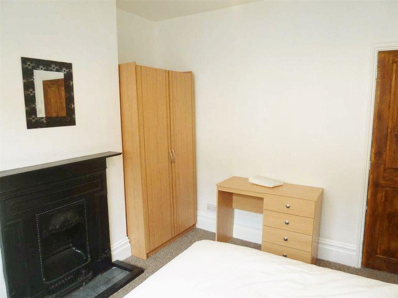 Sidney Street - Room 1