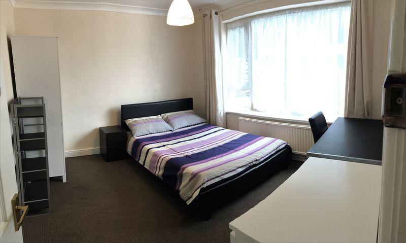 Staunton Court - Room 5