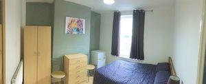 Russell Street - Room 1