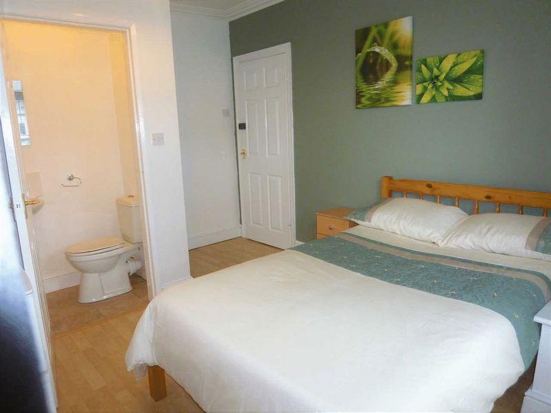 Russell Street - Room 3