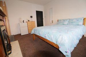 Craven Street - Room 1