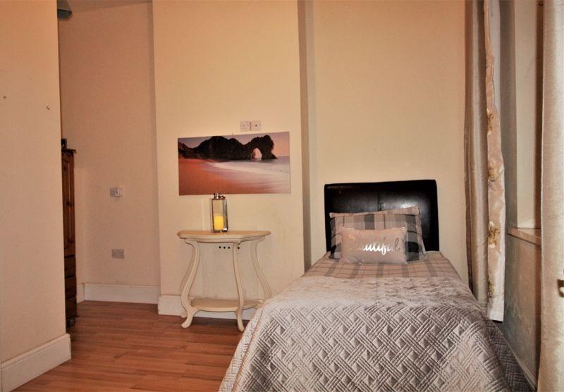 Newark Road - Room 5
