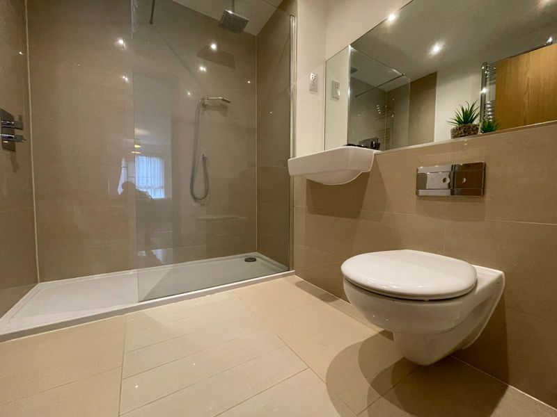 SHOWER ROOM - EN SUITE