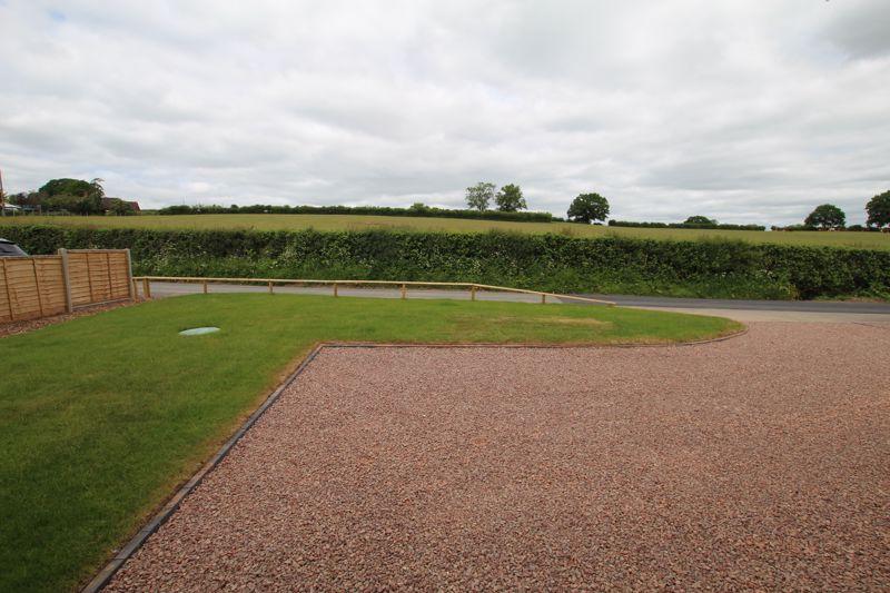 Springfield Gardens Pencombe