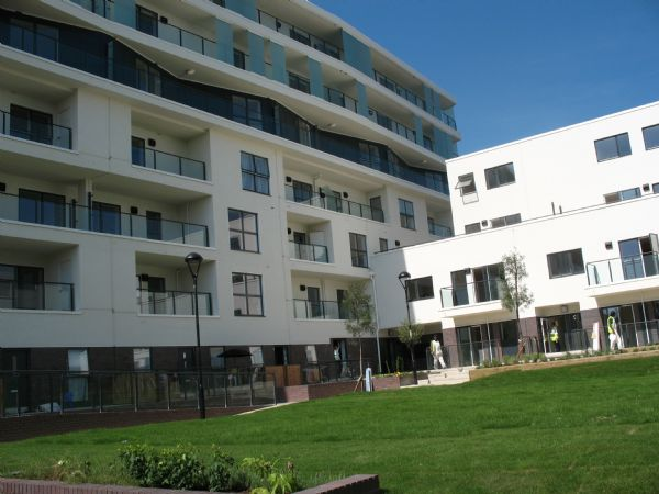 Ravensbourne Court Canons Square, 2 Amias Drive
