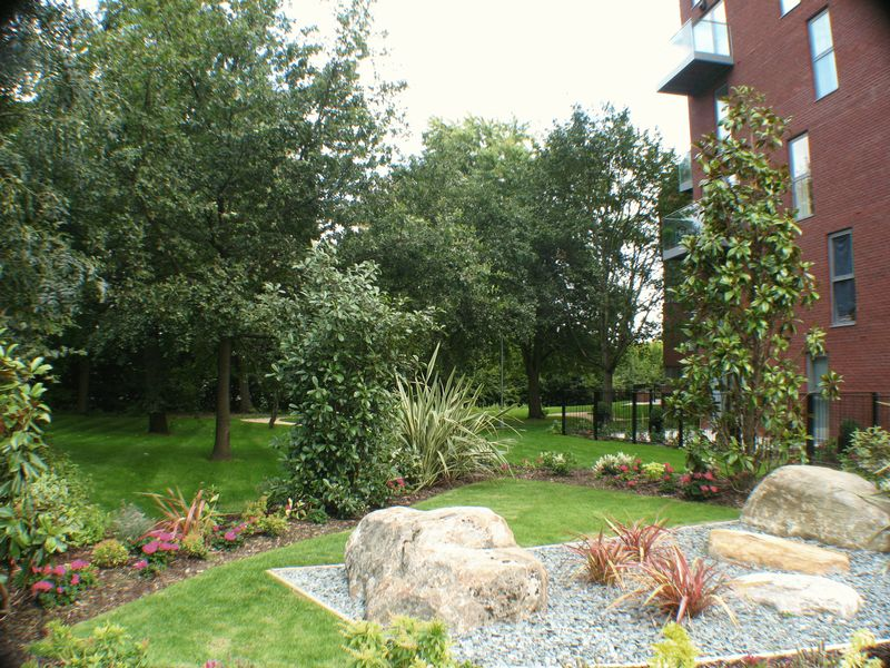 1 Loch Crescent Green Lane