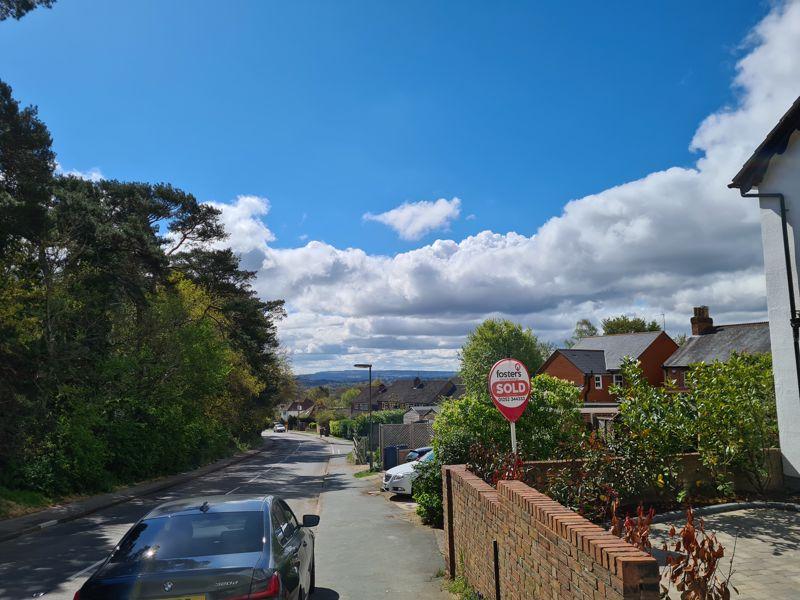 Upper Weybourne Lane