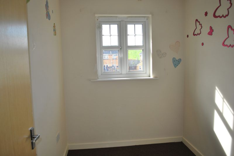 Small Bedroom 09 16