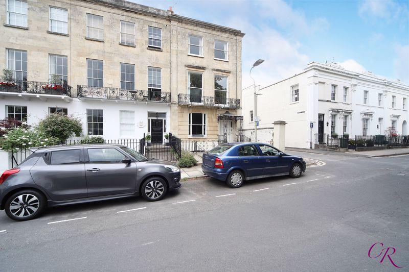 8 Priory Street