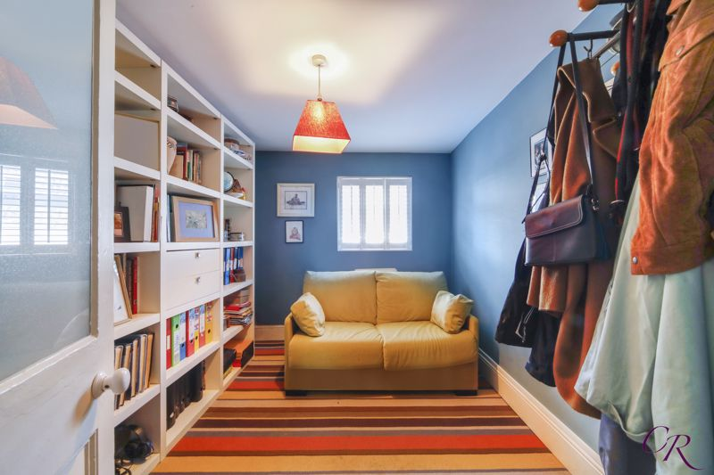 Study/Fourth Bedroom