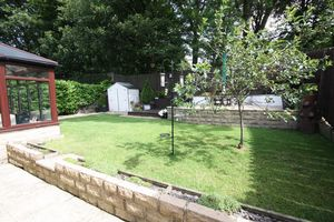 Adwalton Grove Queensbury