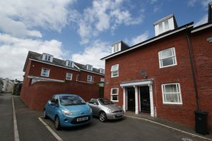 Charmian Court, Sivell Place