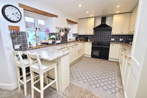8 Shapwick Road Westhay