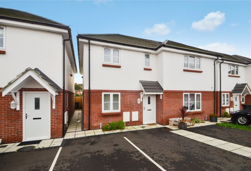 Property for sale in Parkview Grove, Weymouth