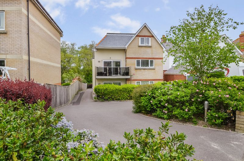 Property for sale in 27 Melcombe Avenue, Weymouth