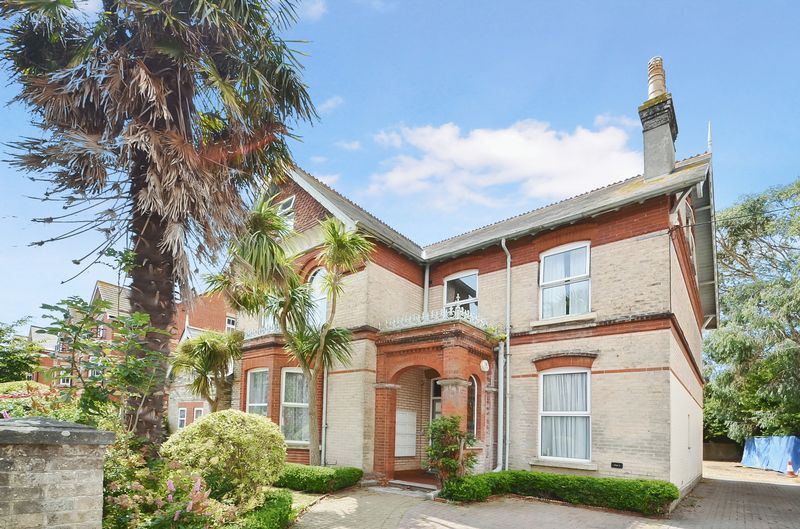 Property for sale in Kirtleton Avenue, Weymouth