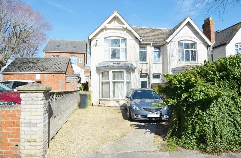 Property for sale in 39 Avenue Road, Weymouth