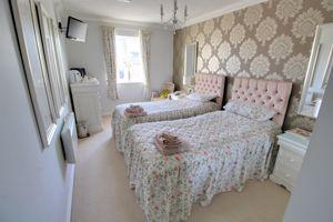 Mitton Lodge, Vale Road