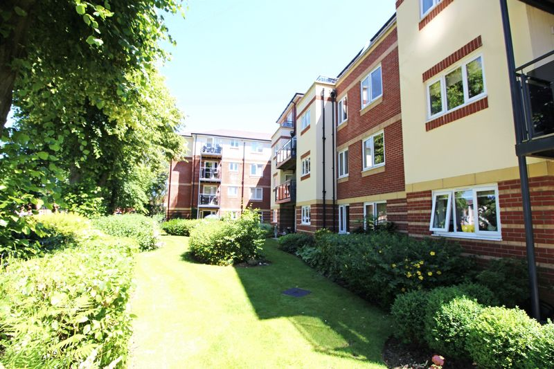 Maxwell Lodge Northampton Road