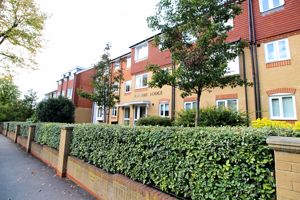 Bramble Lodge 4 Brambledown Road
