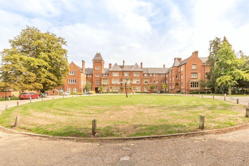 Basildon Court Cholsey