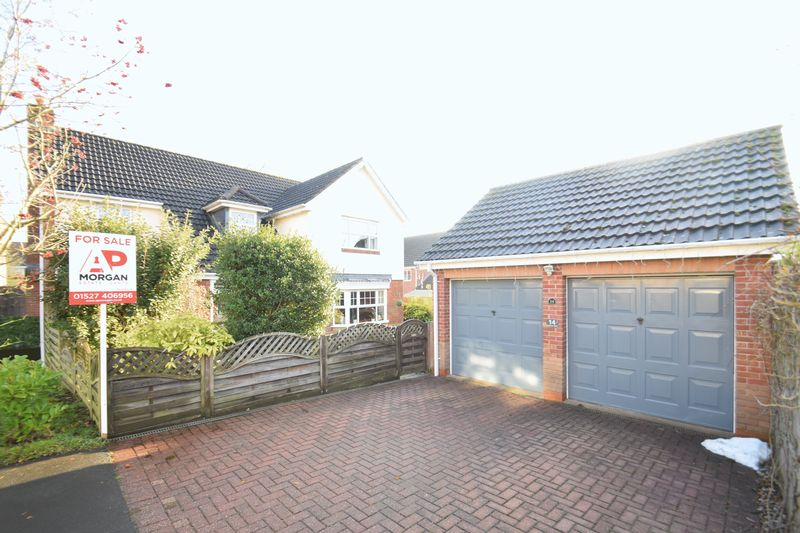 4 Bedrooms Property for sale in Longmoor Close Brockhill, Redditch