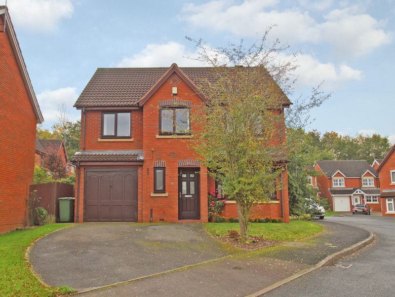 5 Bedrooms Property for sale in Foxholes Lane Callow Hill, Redditch