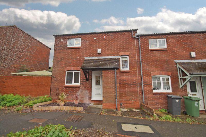 2 Bedrooms Property for sale in Slimbridge Close Crabbs Cross, Redditch