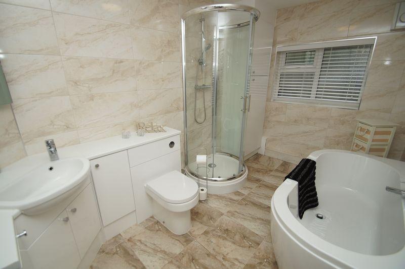 3 Bedrooms Property for sale in Feckenham Road Headless Cross, Redditch
