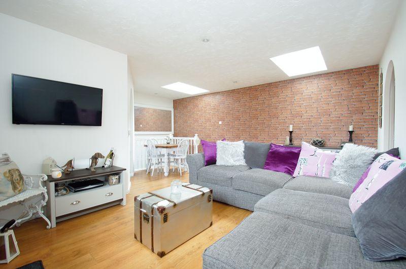 1 Bedroom Property for sale in Devonport Close Brockhill, Redditch