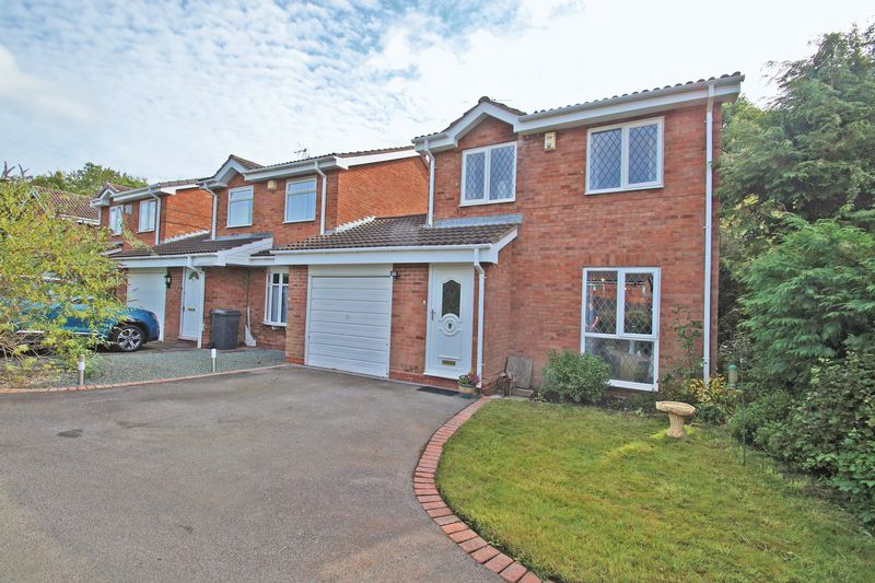 3 Bedrooms Property for sale in Offenham Close Church Hill North, Redditch