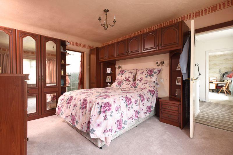 BEDROOM 2 (WITH EN SUITE)