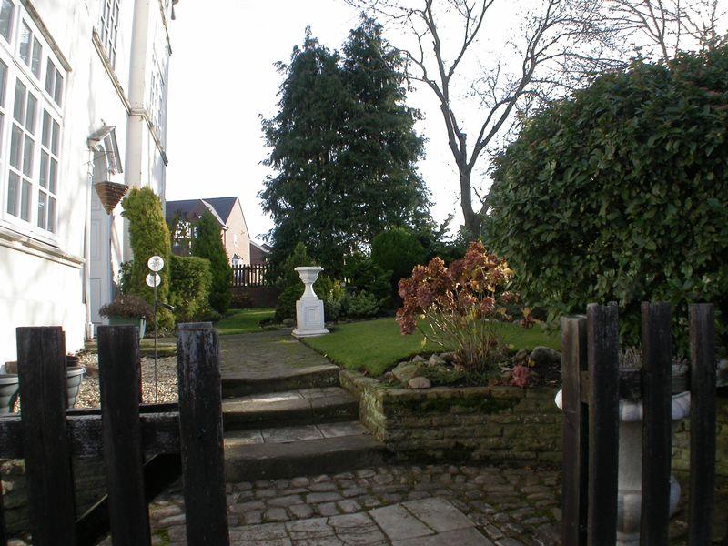 Front Communal Garden