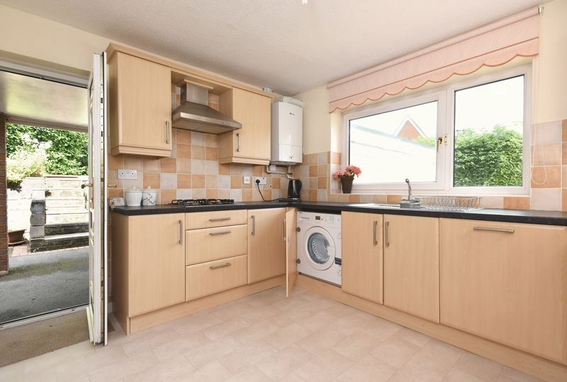 RE-FITTED KITCHEN (2)