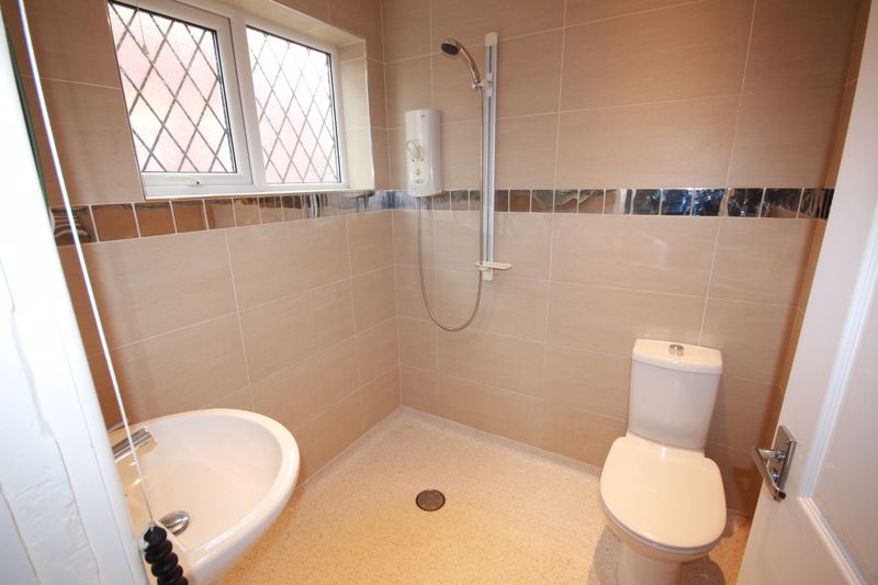 RE-FITTED GROUND FLOOR WET ROOM