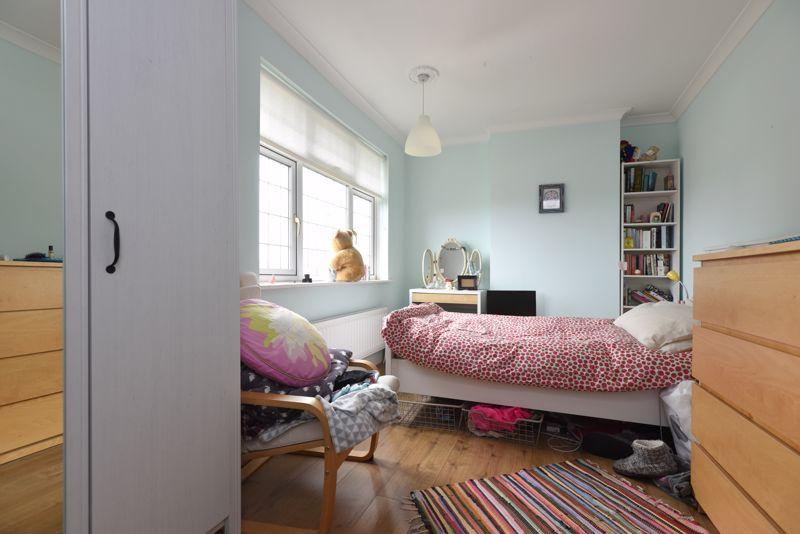 BEDROOM NO. 2 (2) FRONT