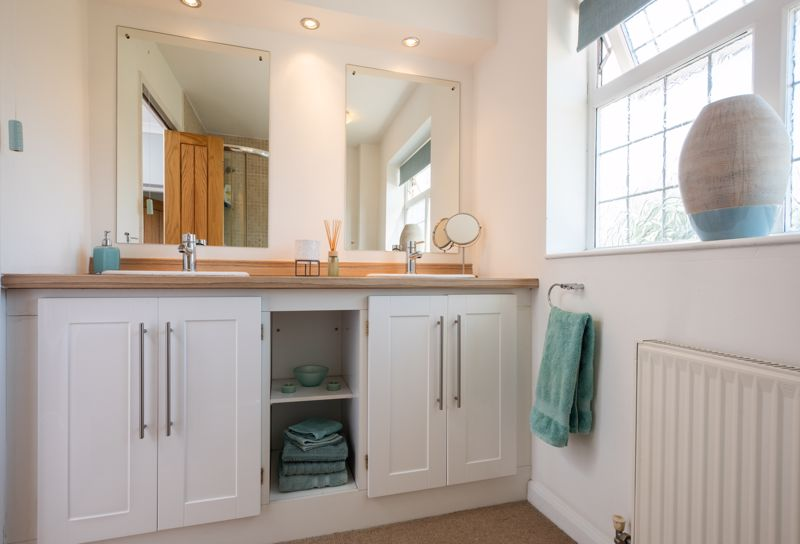 RE-FITTED HOUSE BATHROOM