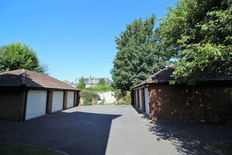 11 Grosvenor Road Westbourne
