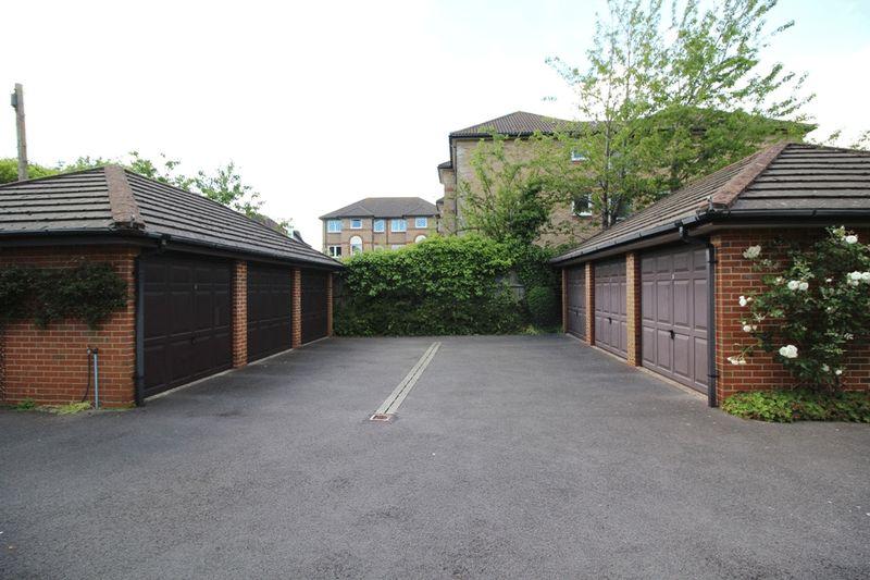 23 Grosvenor Road Westbourne