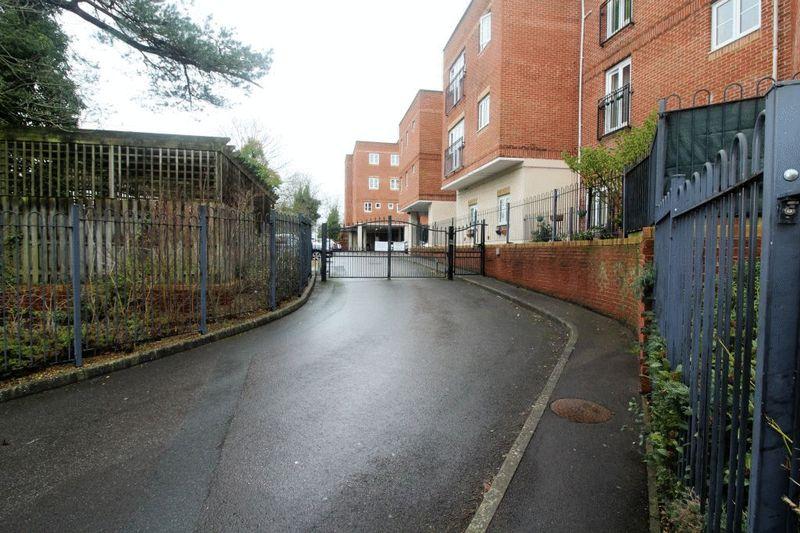 55-59 Norwich Avenue West