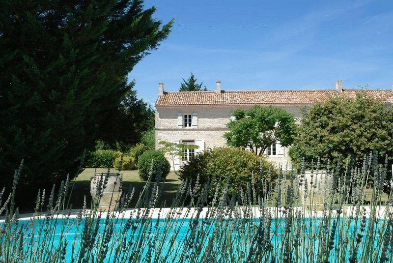 Surgeres, Charente-Maritime