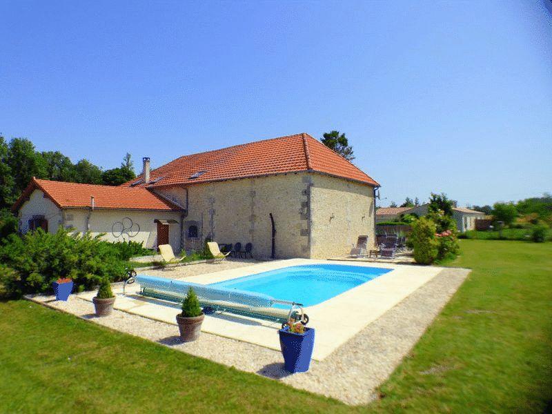 Jonzac, Charente-Maritime