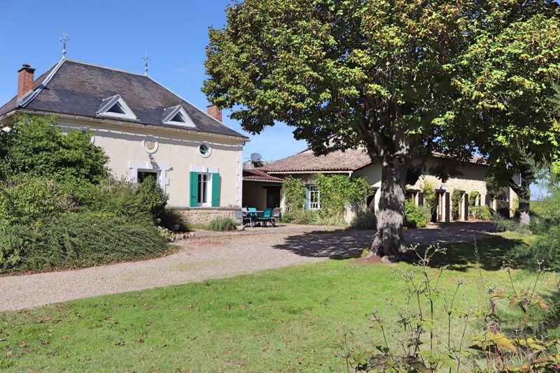 Saint-Vivien, Dordogne