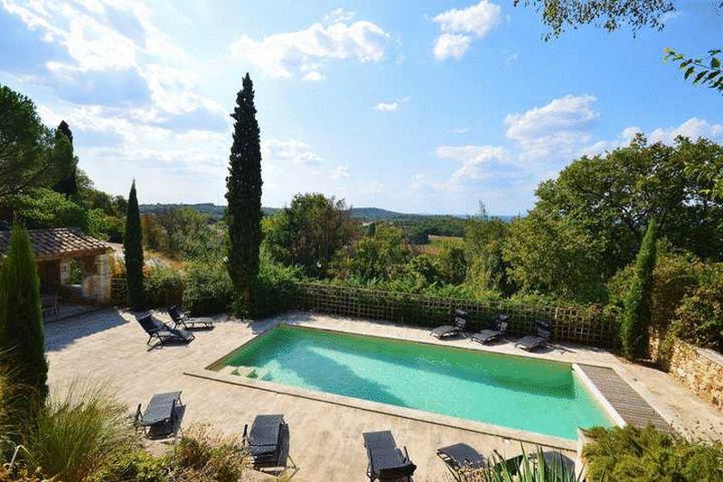 Near La Capelle-et-Masmolene, Gard