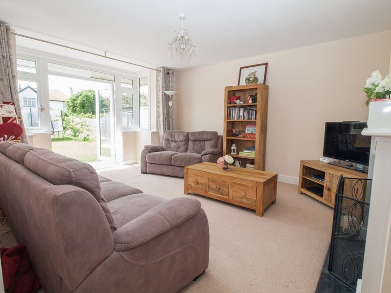 16 Bereweeke Road Felpham